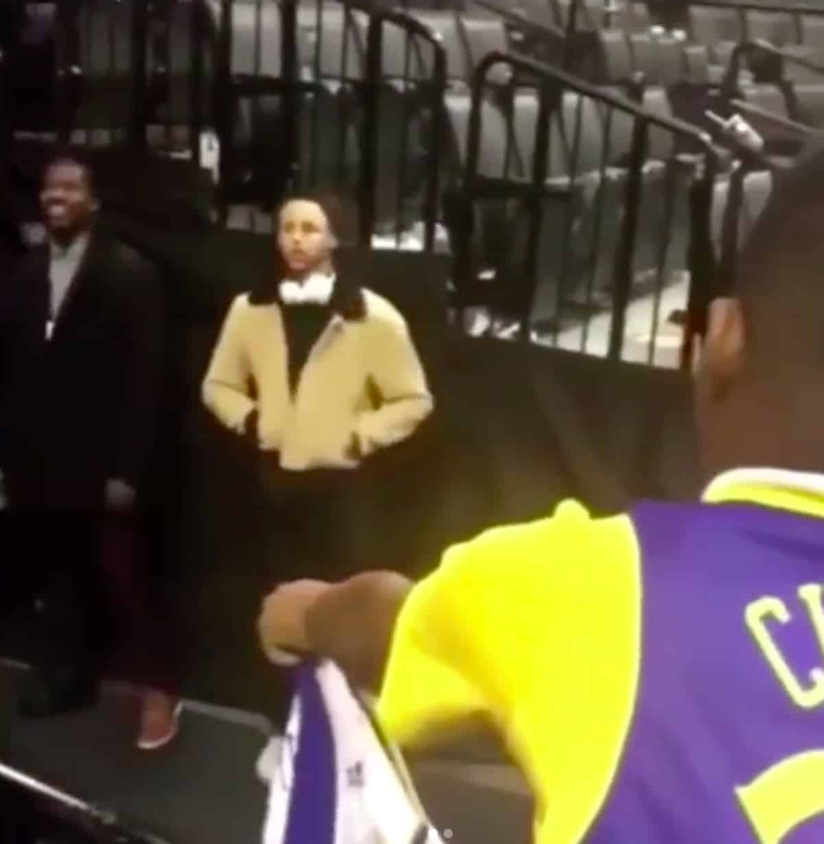 steph curry ignores fan