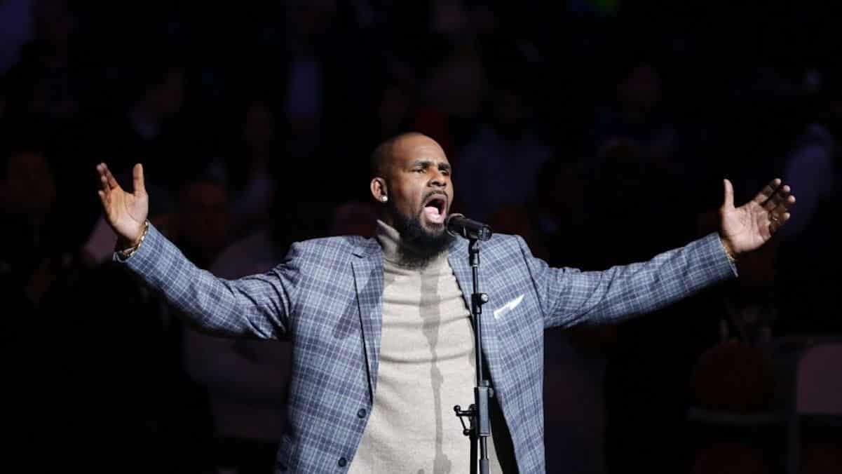 r kelly muterkelly public lynching