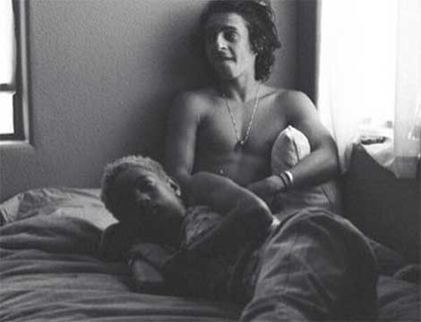 willow-smith-in-bed-with-man