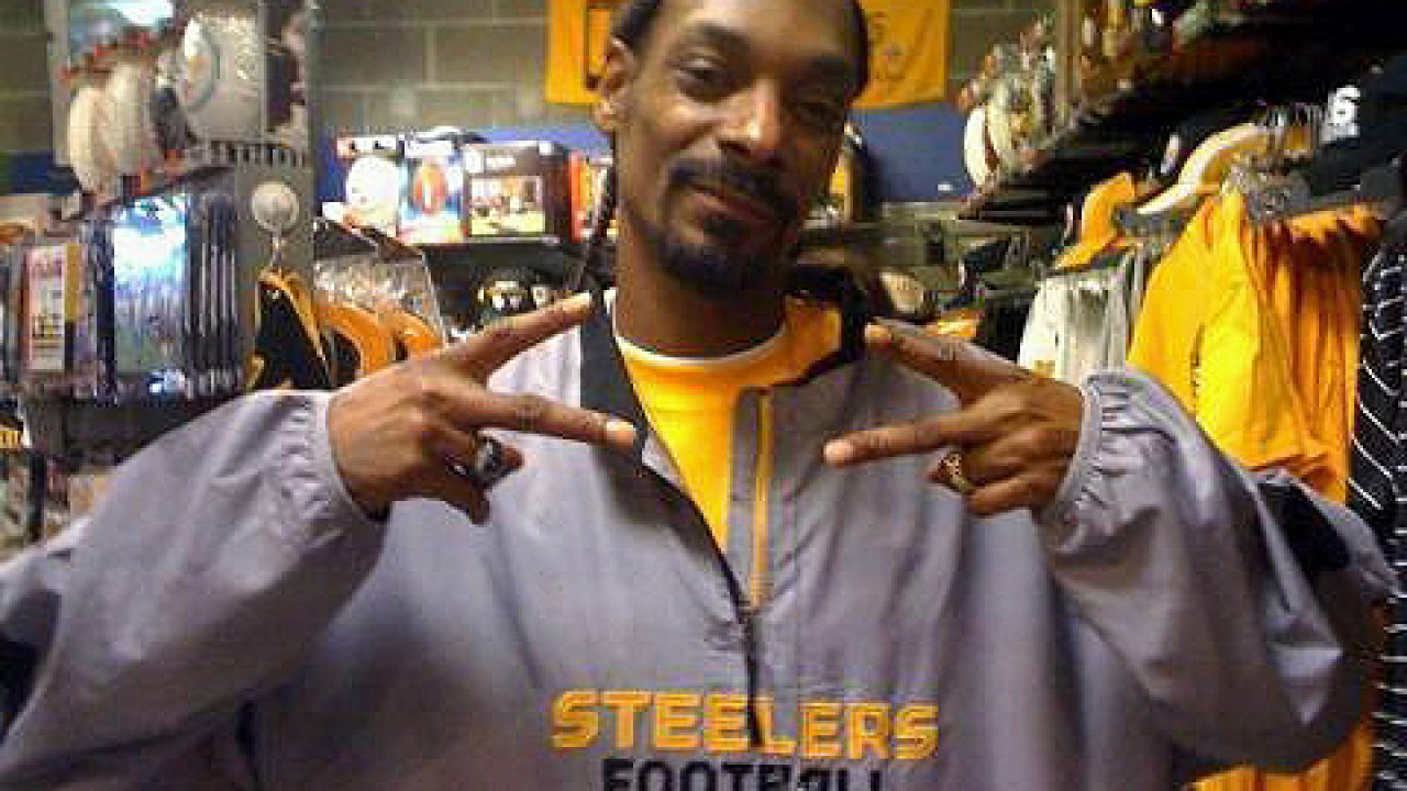 Star Blasts Snoop Dogg: Over Love For The Pittsburgh Steelers