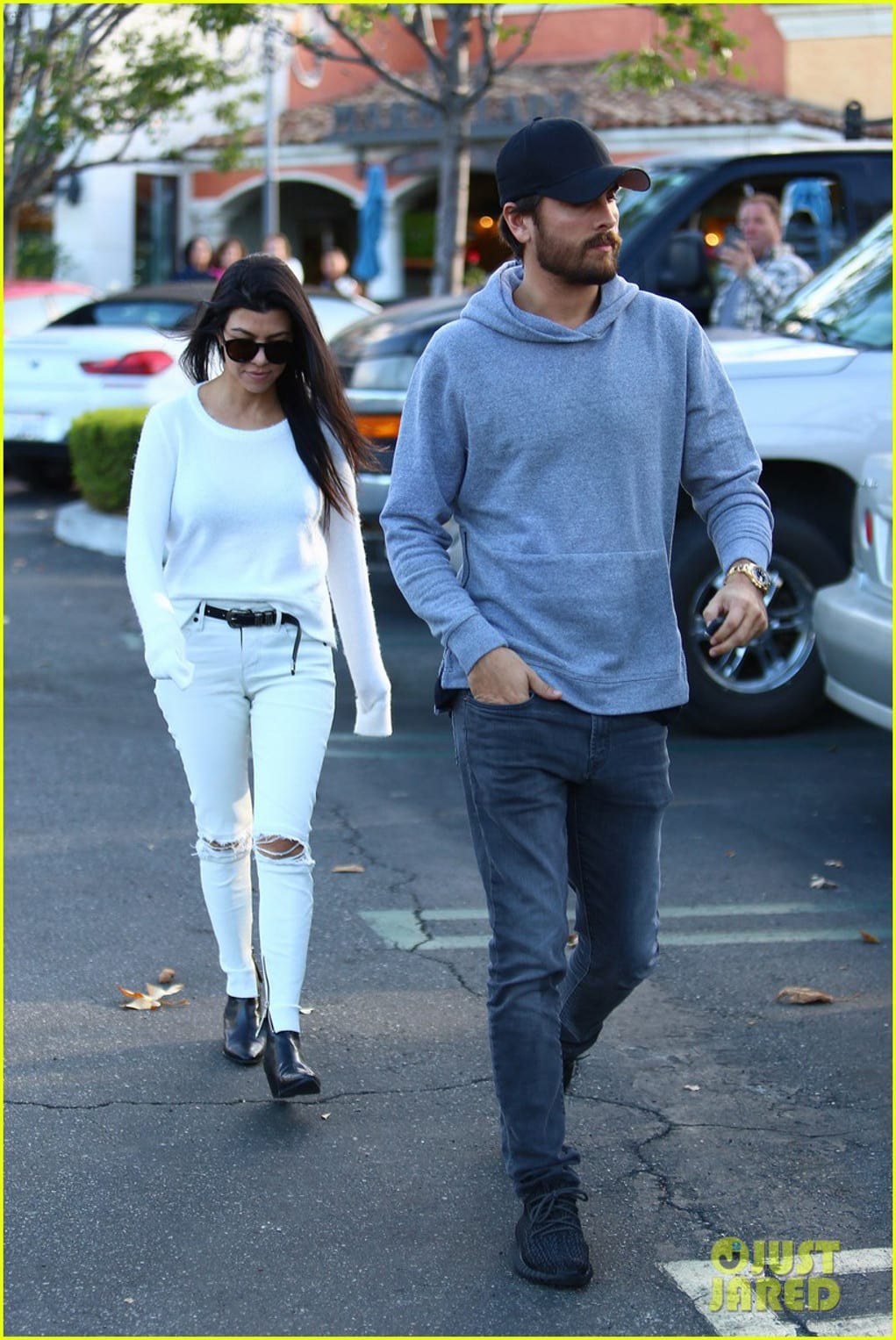 kourtney kardashian scott disick date 2