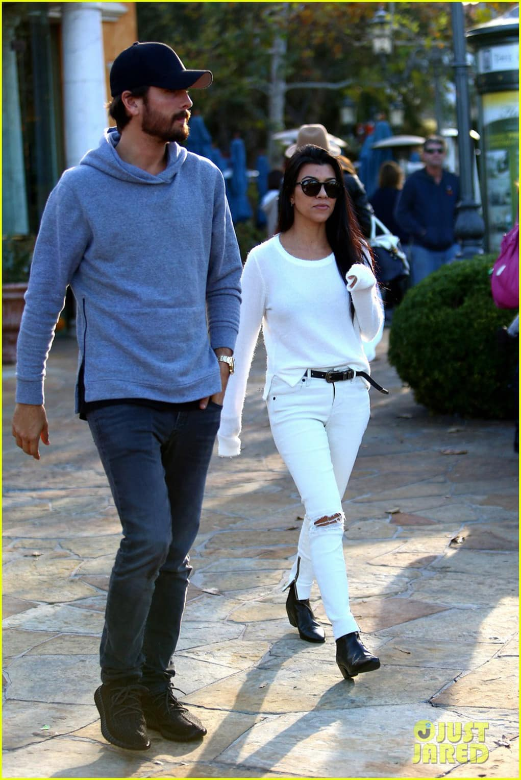 kourtney kardashian scott disick date