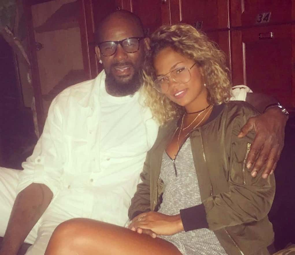 r kelly engaged halle calhoun