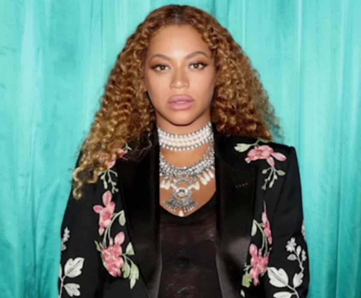 beyonce denies lip injections